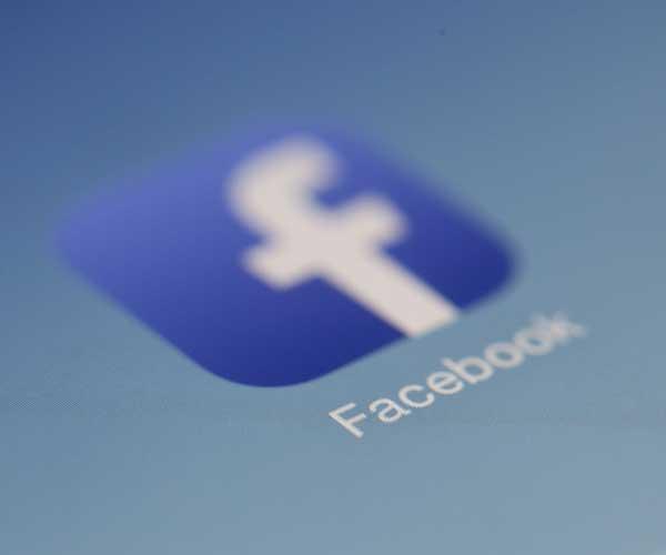 Humanizar Facebook como red social para contactar con tus pacientes
