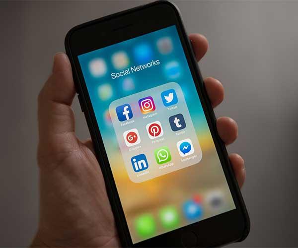 redes sociales desde iphone contactando con tus pacientes